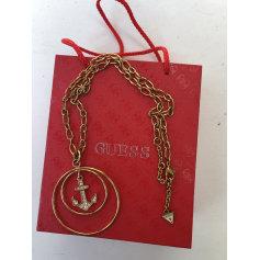 Pendentif, collier pendentif Guess  pas cher
