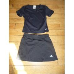 Ensemble jogging Adidas  pas cher