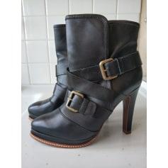 Bottines & low boots à compensés Uterqüe  pas cher