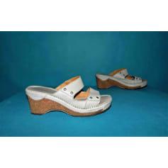 Sandales compensées Art  pas cher