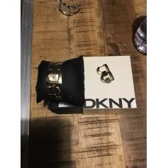 Montre au poignet DKNY  pas cher