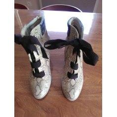 Bottines & low boots à compensés André  pas cher