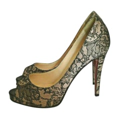 Escarpins Christian Louboutin Very Prive pas cher