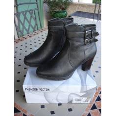 Bottines & low boots à compensés Fashion Victime  pas cher