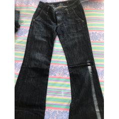 Jeans évasé, boot-cut Since The Worl Is Worl  pas cher