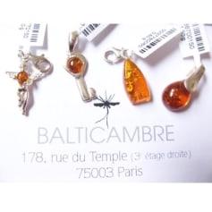 Pendentif, collier pendentif Balticambre  pas cher