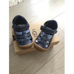 Chaussures à boucles UGG  pas cher