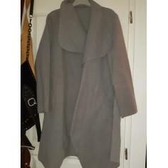 Manteau illisible  pas cher