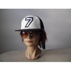 Casquette Karl Lagerfeld  pas cher