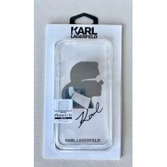 Etui iPhone  Karl Lagerfeld  pas cher