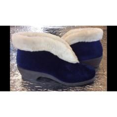 Chaussons & pantoufles Pourquoi Pas  pas cher