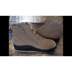 Bottines & low boots à talons Helvesko  pas cher