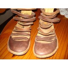 Sandales plates  Art  pas cher