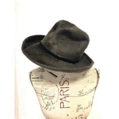 Chapeau Pierre Cardin  pas cher