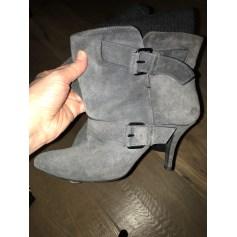 Bottines & low boots à talons Givenchy  pas cher