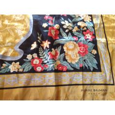Echarpes   Foulards Balmain Femme   articles luxe - Videdressing 5776e68ce4b