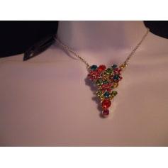 Pendentif, collier pendentif Pilgrim  pas cher
