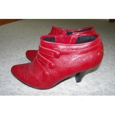 Bottines & low boots à talons MARQUE INCONNUE Rouge, bordeaux