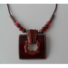 Pendentif, collier pendentif Armand Thiery  pas cher