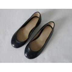 Chaussures Fille Noir de marque   luxe pas cher - Videdressing 70eadf6e0cfc