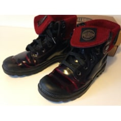Bottines & low boots plates PALLADIUM Rouge, bordeaux