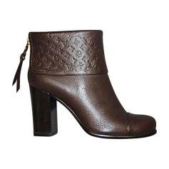 Bottines & low boots à talons LOUIS VUITTON Marron