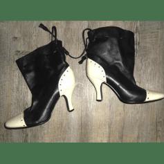 Bottines & low boots à talons PASTELLE noir et blanc