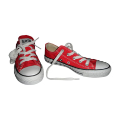 Baskets CONVERSE Rouge.