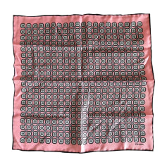 Foulard PRADA Rosa, fucsia, rosa antico