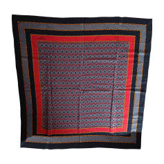33989a118b7 Echarpes   Foulards Givenchy Femme   articles luxe - Videdressing