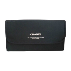 Trousses de toilette Chanel Femme   articles luxe - Videdressing cb97490b86b0