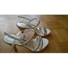 La Talons Aux Femme Articles Chaussures Tendance Halle Sandales À q6x5EE