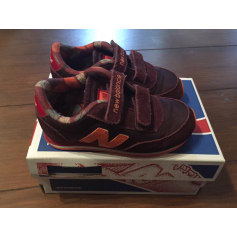 Baskets NEW BALANCE Rouge, bordeaux