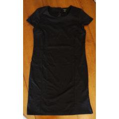 Robe mi-longue petite robe noire  pas cher