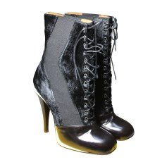 High Heel Ankle Boots FENDI Black