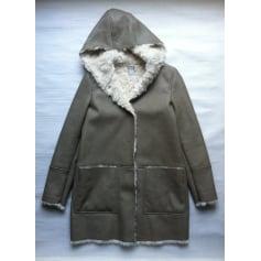 Manteau fausse fourrure gris noir