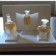 Parfums Videdressing FemmeArticles Lalique Miniatures Tendance 34ARc5jLqS
