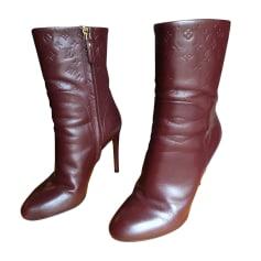Bottines & low boots à talons LOUIS VUITTON Rouge, bordeaux