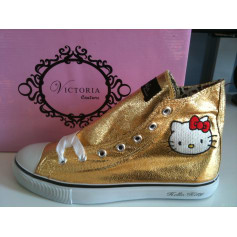 Baskets HELLO KITTY BY VICTORIA COUTURE Doré, bronze, cuivre