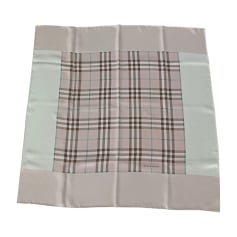 Echarpes   Foulards Burberry Femme Soie   articles luxe - Videdressing a0b631eab5d
