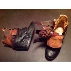 Bottines & low boots à compensés AIRSTEP Noir et marron