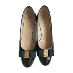 Pumps SALVATORE FERRAGAMO Grün