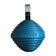 Pendentif, collier pendentif HERMÈS Bleu jean