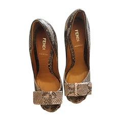 Escarpins FENDI Gris, anthracite