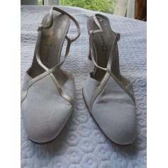 Sandales à talons RENE MANCINI toile beige 39 i8JrzMM