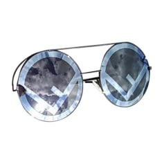 Sunglasses FENDI Black