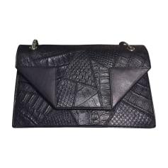 Leather Handbag SAINT LAURENT Betty Black