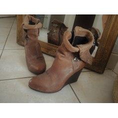 Bottines & low boots à compensés AIRSTEP Marron