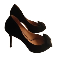 Peep-Toe Pumps SALVATORE FERRAGAMO Black