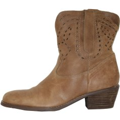 Santiags, bottines, low boots cowboy GUESS Marron